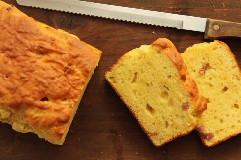 Pane con Pancetta e Formaggio