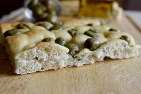 Focaccia con olive 1 small